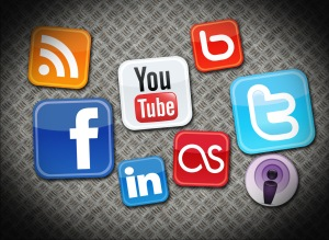 Large-FREE-SOCIAL-MEDIA-VECTOR-ICONS